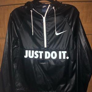 NEW!! Nike windbreaker!✔️🖤